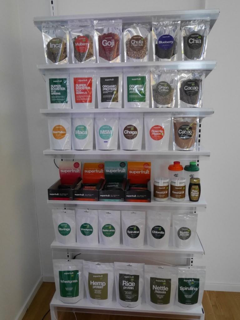 Ett urval av produkterna i Superfruits sortiment.