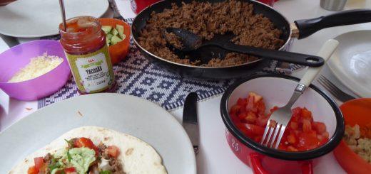 Enkelt och mycket poppis med tacos.Tacos är enkelt och mycket poppis!