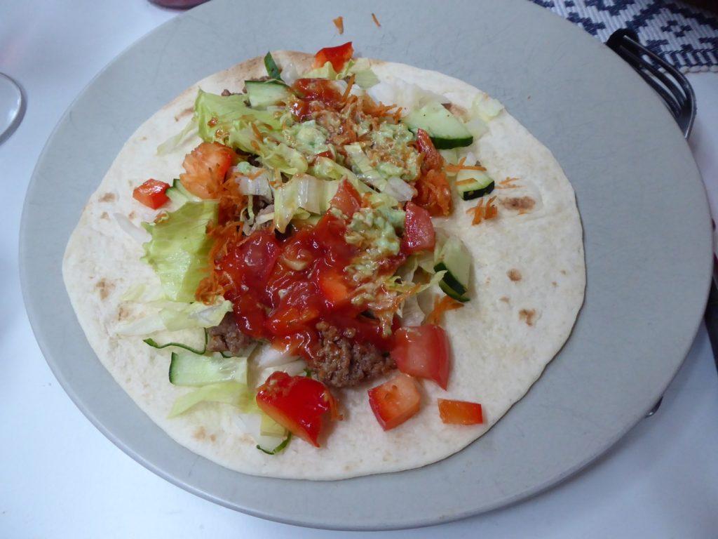 Det finns inget rätt eller fel hur tacos ska ätas!