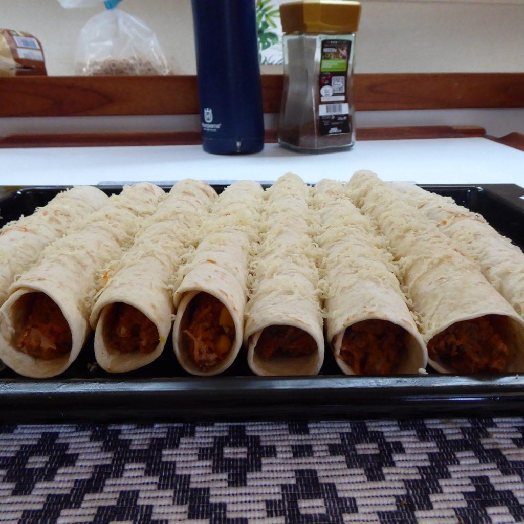 Enchiladas av överbliven tacofärs