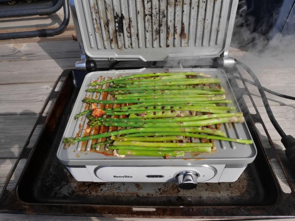 Finns det något godare än grillade sparris?!