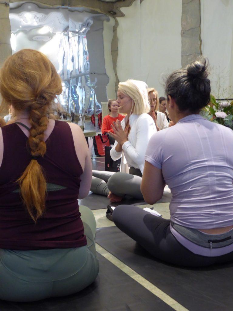 Yohanna är verkligen en fantastisk yogalärare!