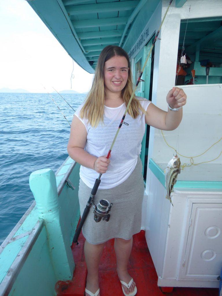 Även Filippa fick fisk på kroken.