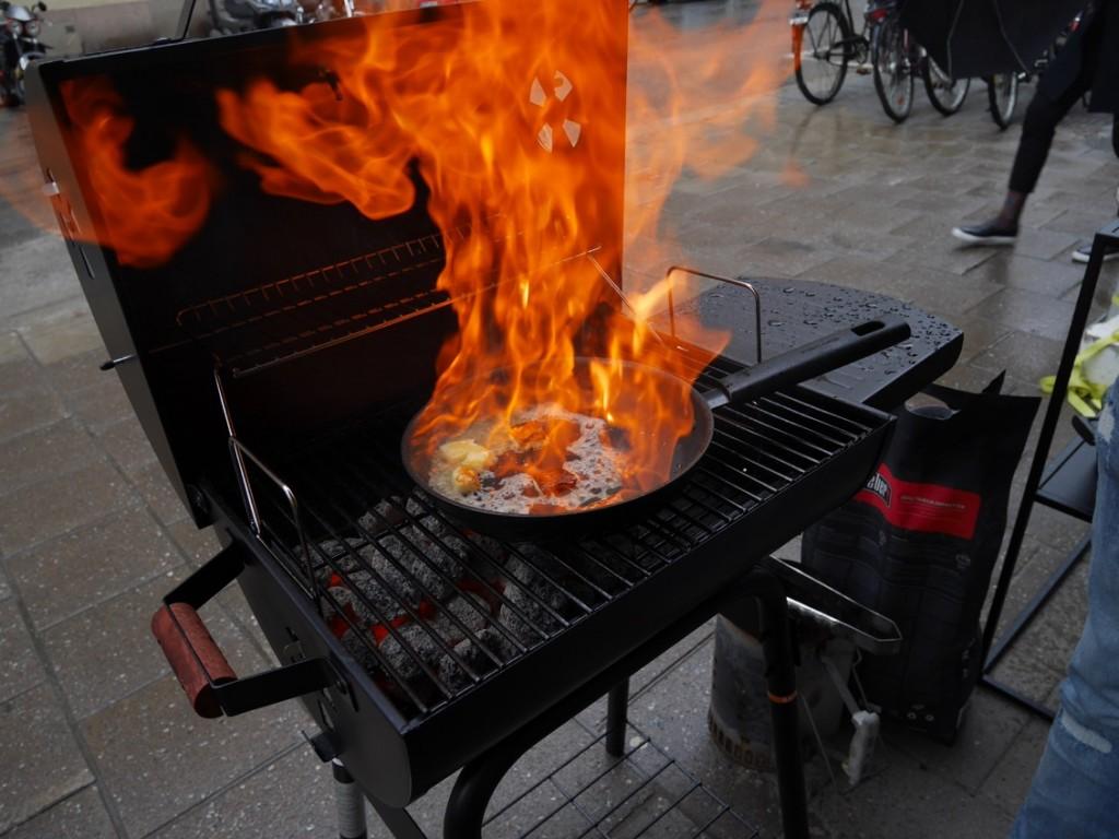 Flambering av Saganaki.
