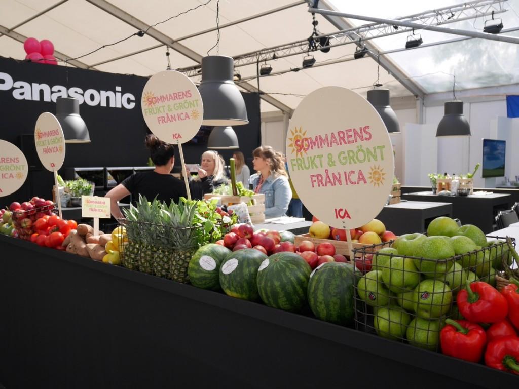 Härliga färgglada frukter och grönsaker från Ica inne i Panasonic Culinary Theater.