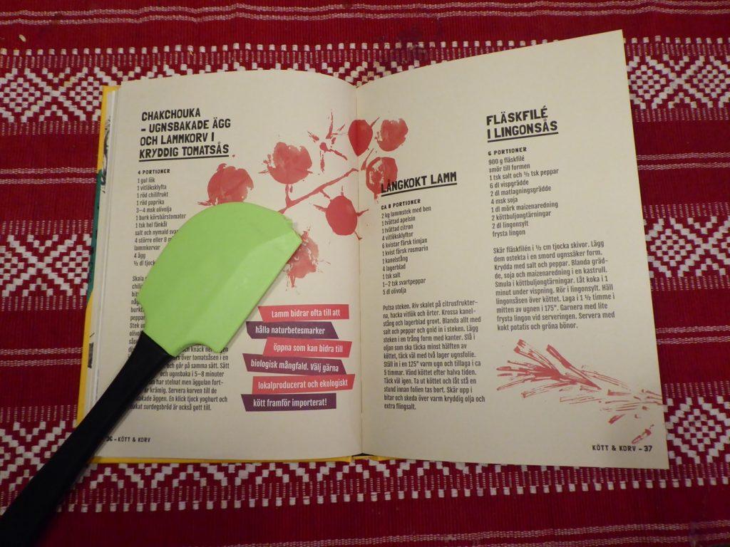 Boken innehåller över 100 recept.