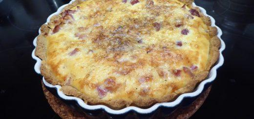Nyttig ost- och skinkpaj
