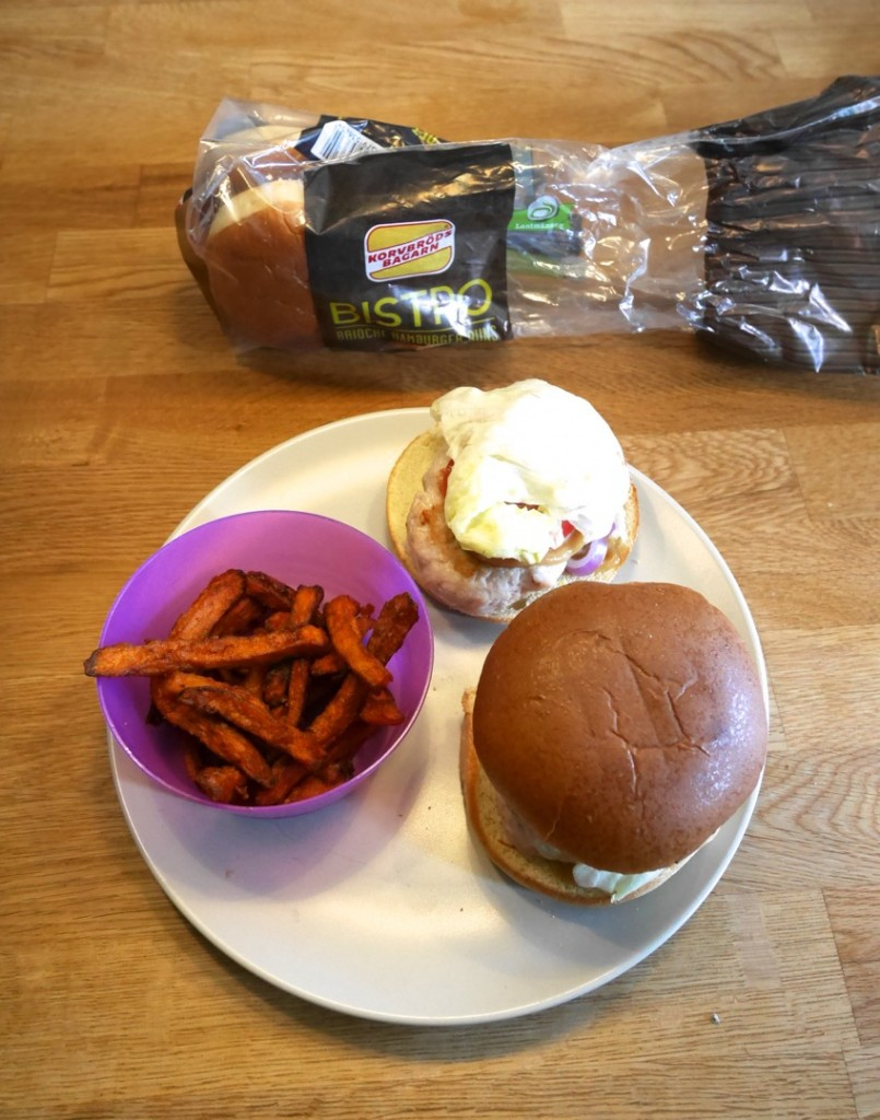 Kycklingburgare med Bistro Brioche hamburger buns.