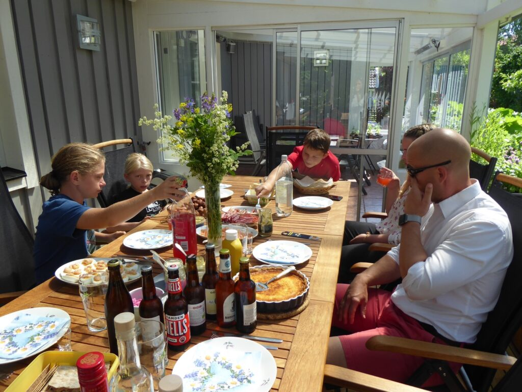 Traditionell midsommarlunch!