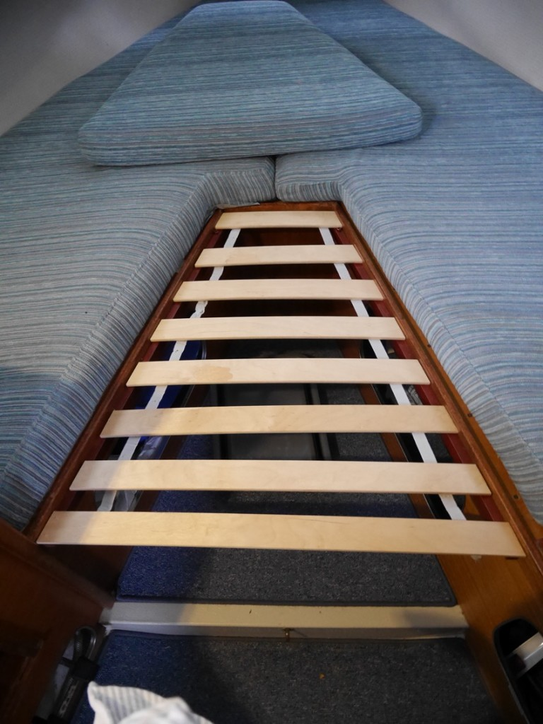Nu slipper vi använda matbordet som del av sängbotten.