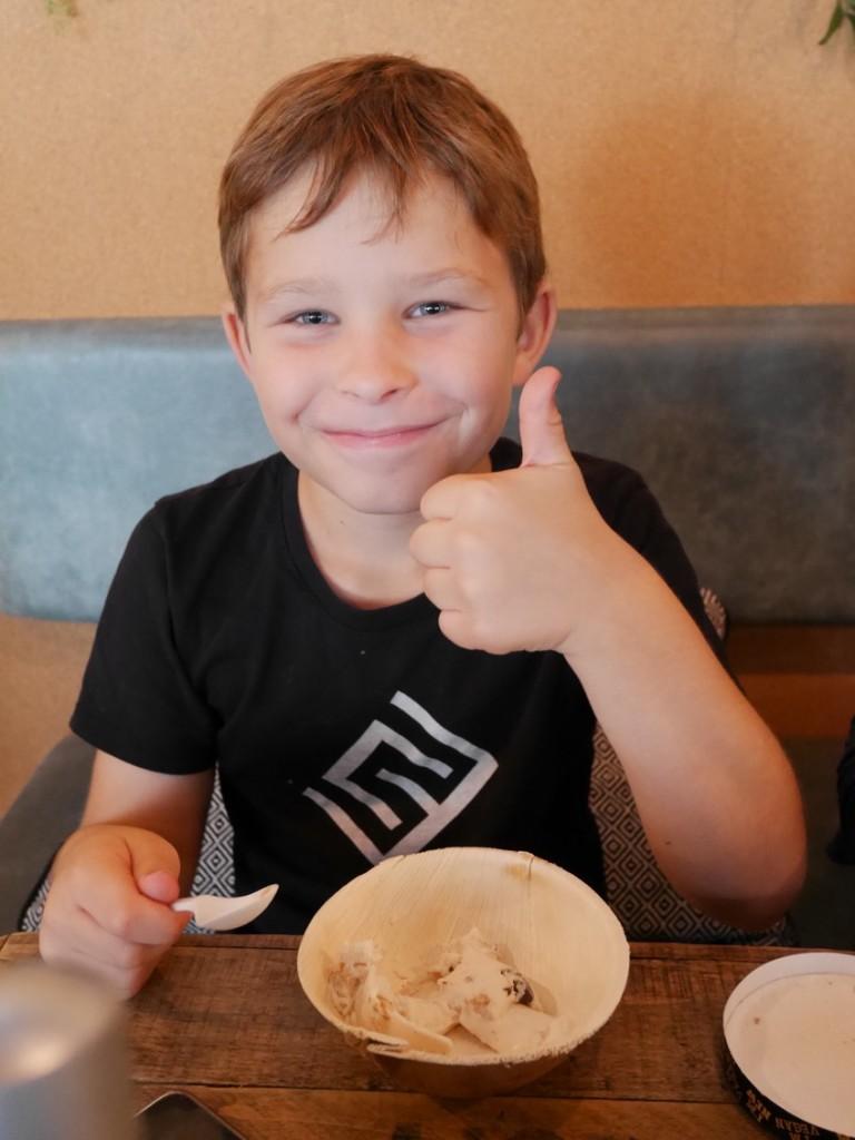 Lätt att förstå vad Gus tyckte om glassen!