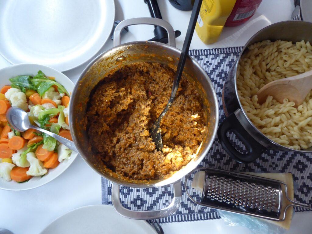 Köttfärssås och spaghetti.