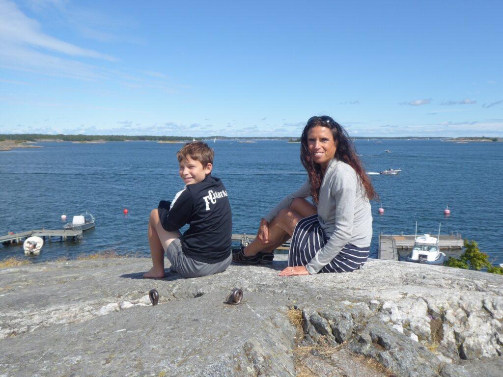 Vi njuter av utsikten från Kvarnberget.