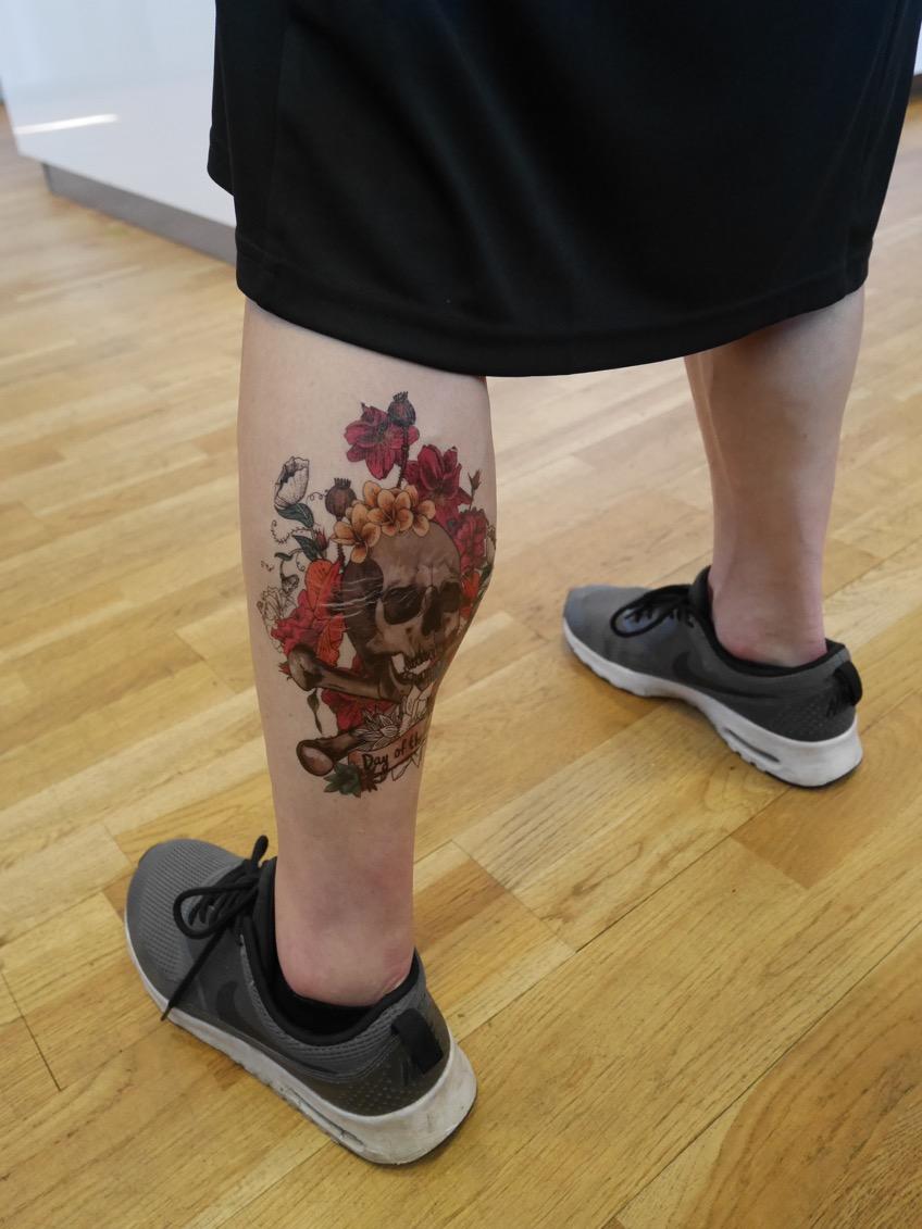 Jag gick all-in med tatuering både på ben och armar!