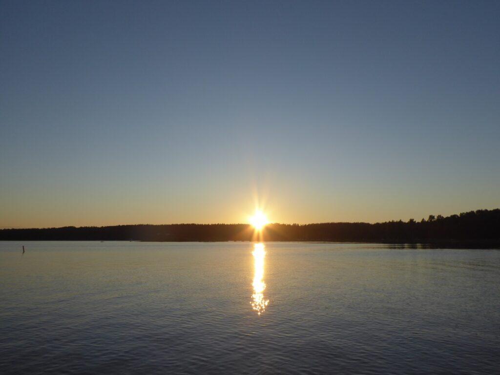 Solnedgång över Dalarö hamn.