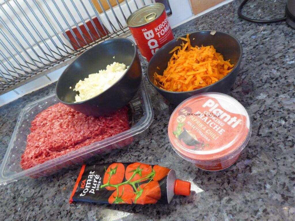 Dags att testa min nya Crock Pot Time Select med en långlagad köttfärssås.