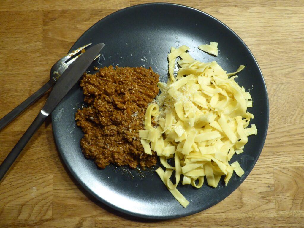 Amazing köttfärssås med färsk pasta!