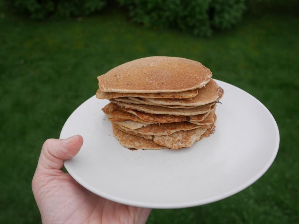 Den här högen är gjord på 2 ägg, 2 dl havremjöl och 2 dl havremylk.