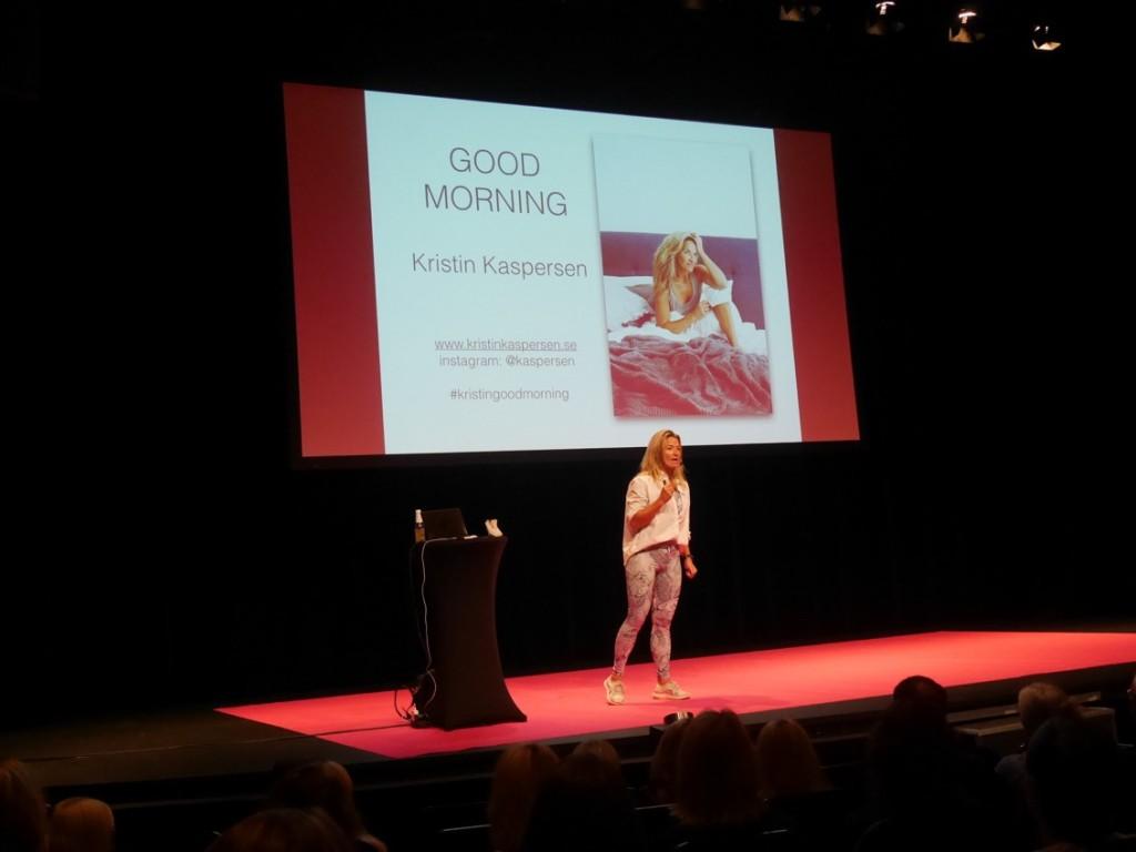 Kristin på scen.