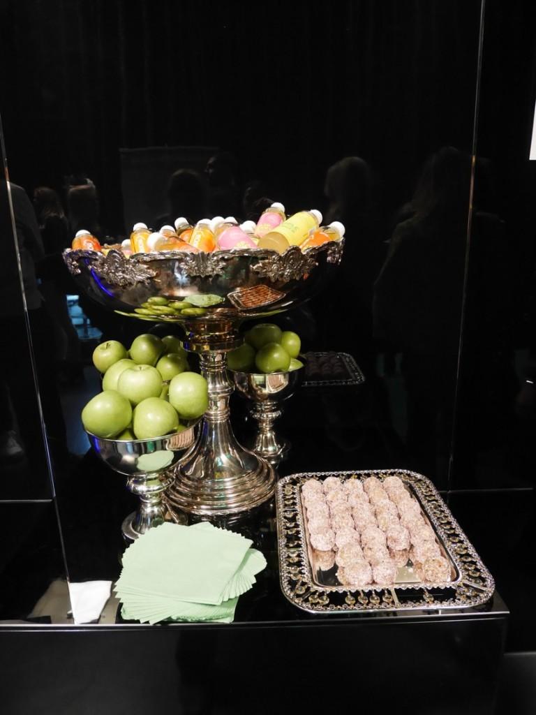 """Läckert """"dessert""""-bord."""