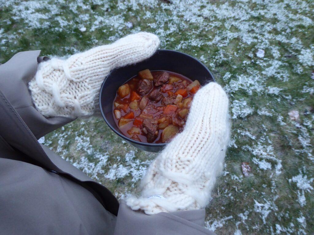 Gulaschsoppa med potatis, morot och paprika
