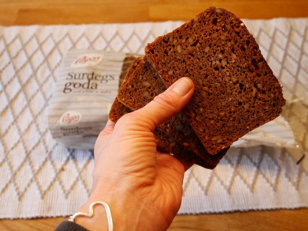 Fint bröd med tydliga kärnor och frön.