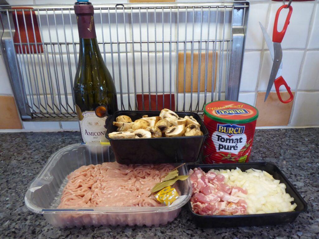 Ingredienser till min Kyckling au vin.
