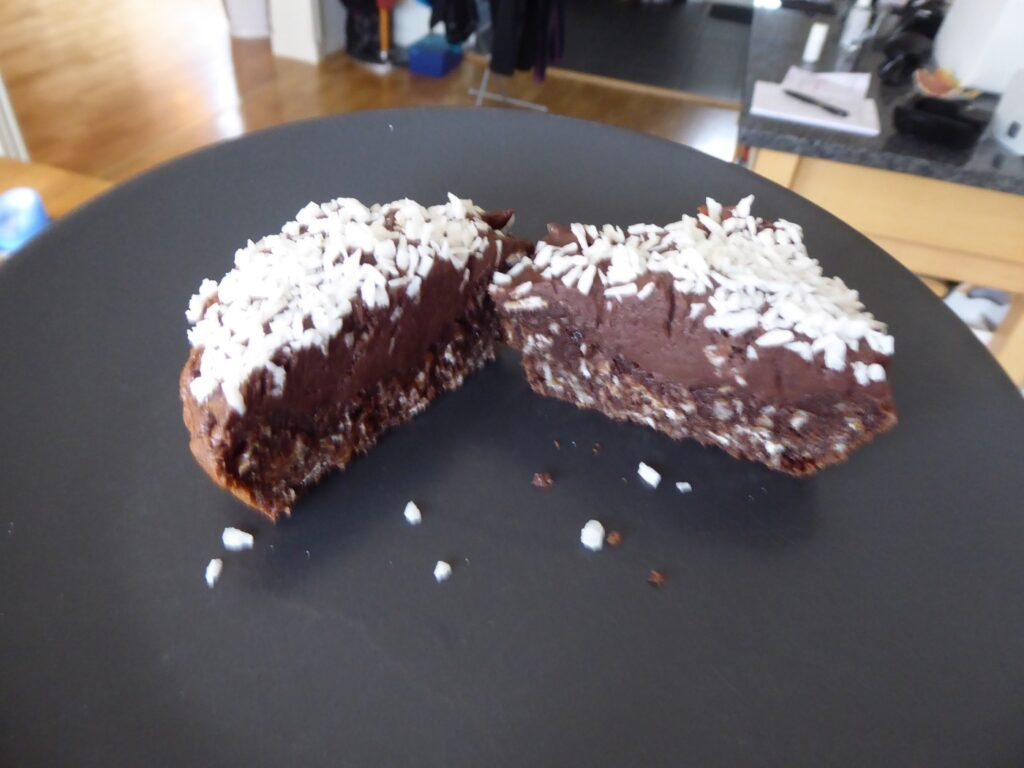 Nyttiga cupcakes med basen av nyttig muffins toppat med en proteinrik chokladkräm.