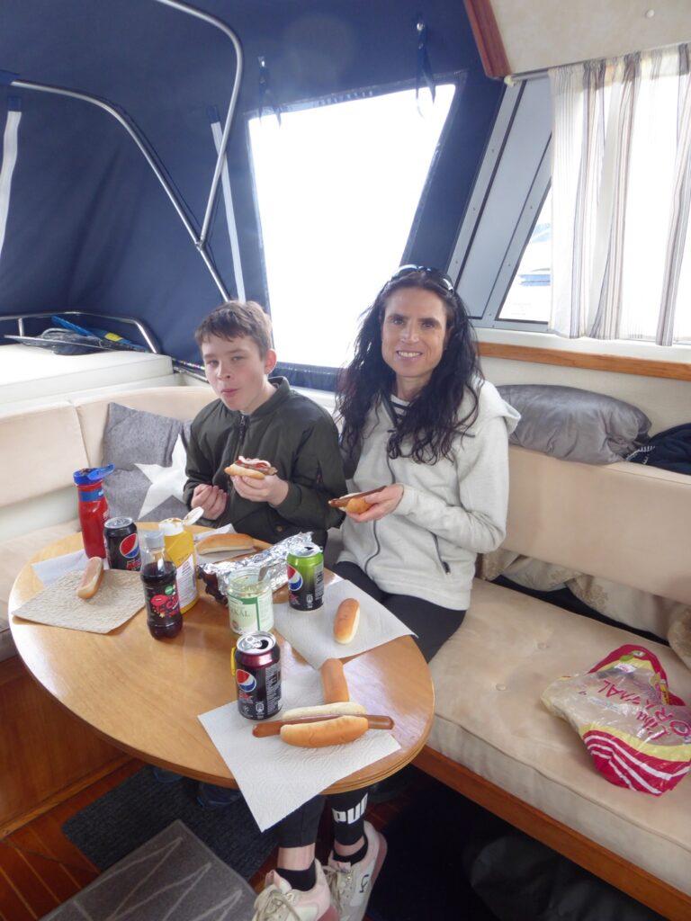 Lunchen smakar alltid lite godare till sjöss!