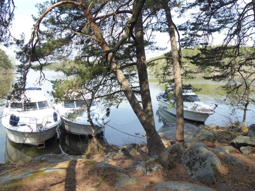 Fullt med båtar men ändå gott om plats!