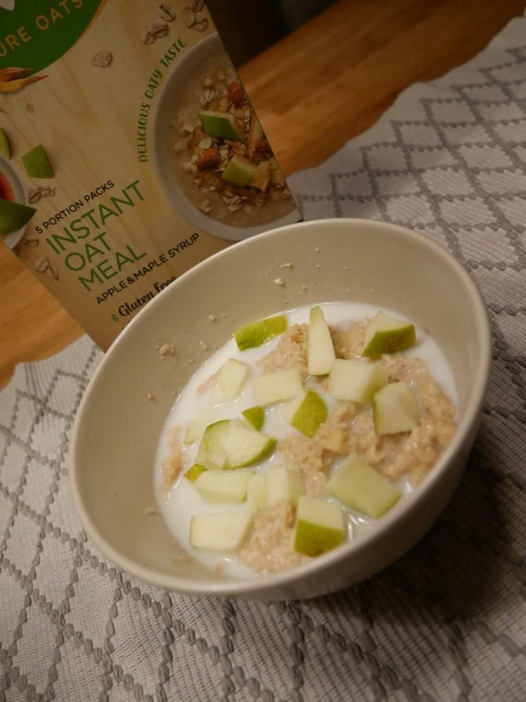 Toppa med kanel, äpple och mjölk.
