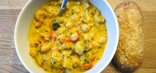 En smakrik, fräsch och magiskt god vegetarisk gryta!