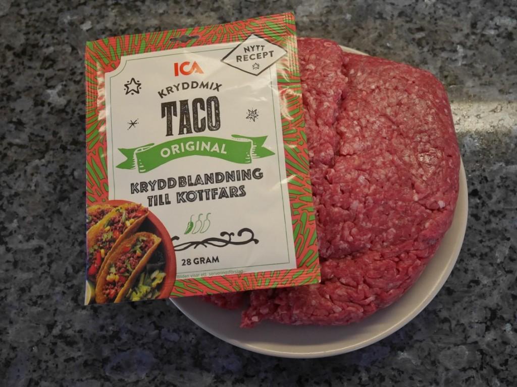 Köttfärs och tacokrydda - ett måste till fredagstaco!