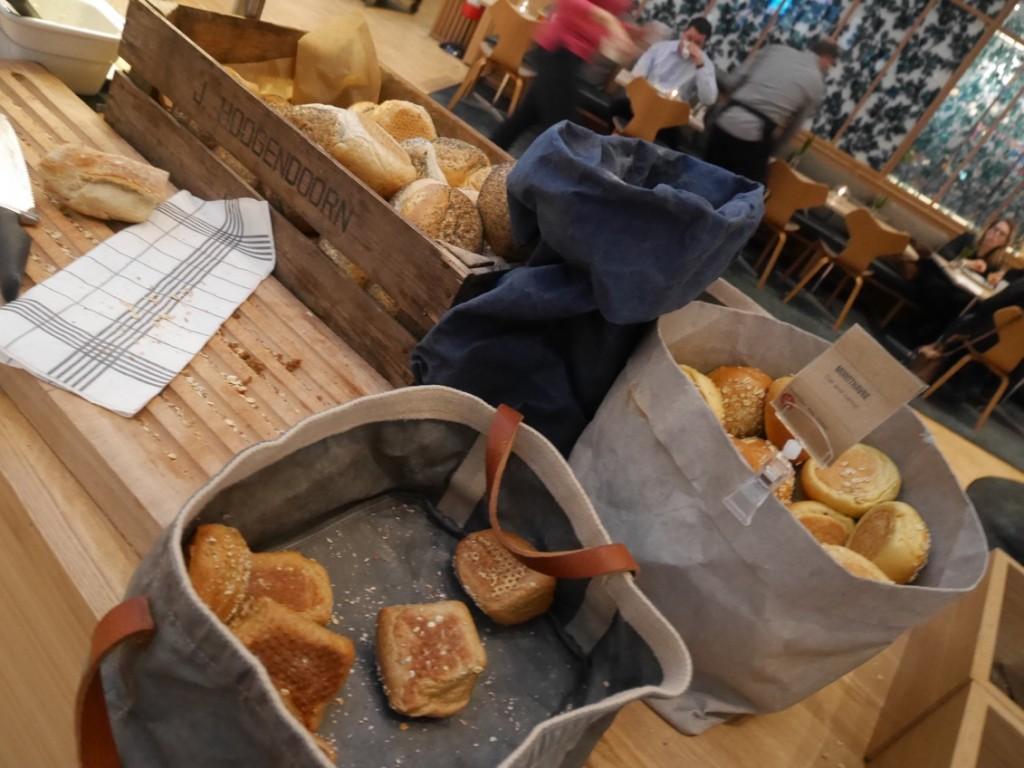 Bröd av olika sorter.