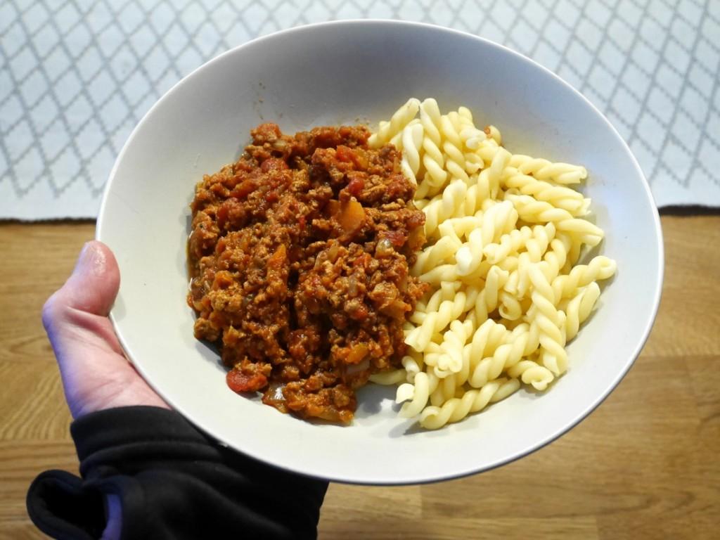 Vegansk färssås och pasta.