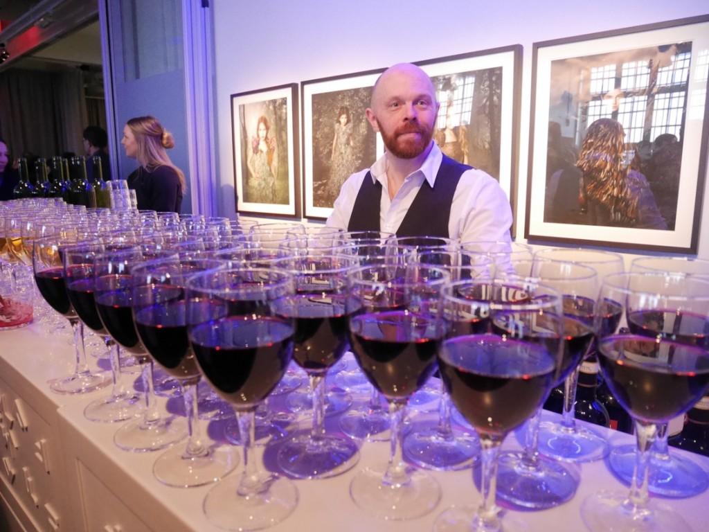 Vitt och rött vin.