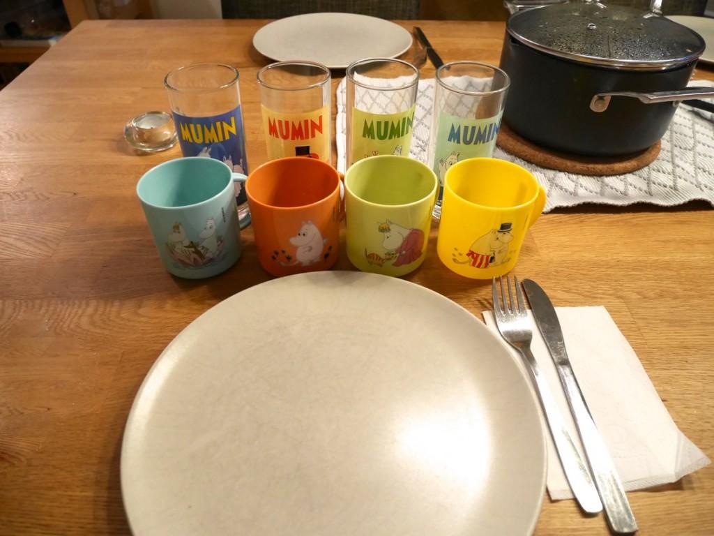 Muminglas är standard för barnen hemma till middagen.