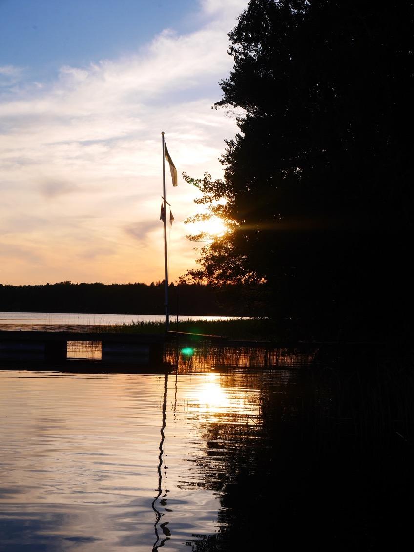 Man blir helt tagen av den vackra solnedgången!