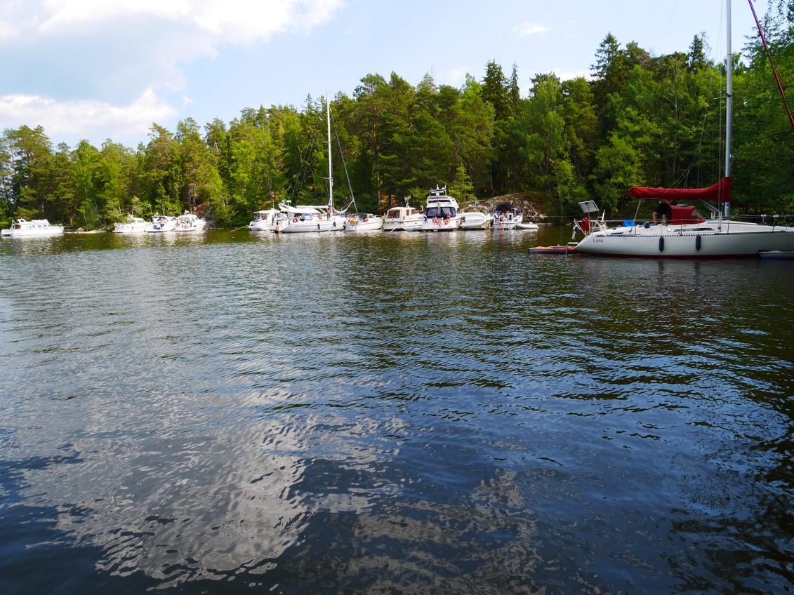 En del av alla båtar som låg förtöjda i Granskär.