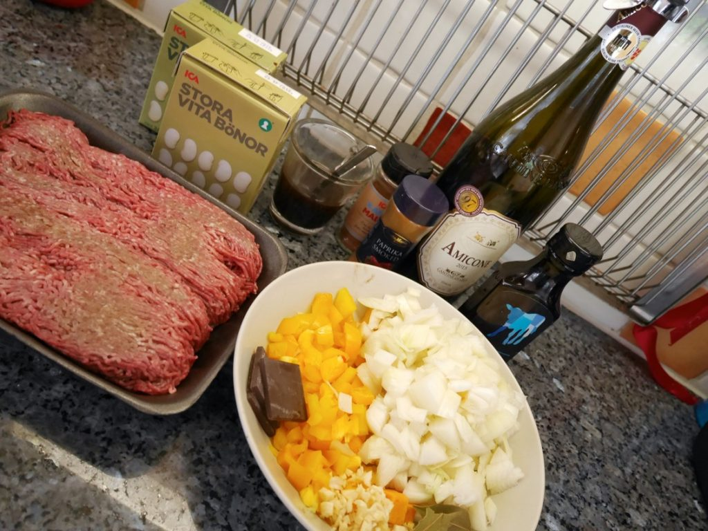 Ingredienser till en Amerikansk Cowboygryta i Crock Pot