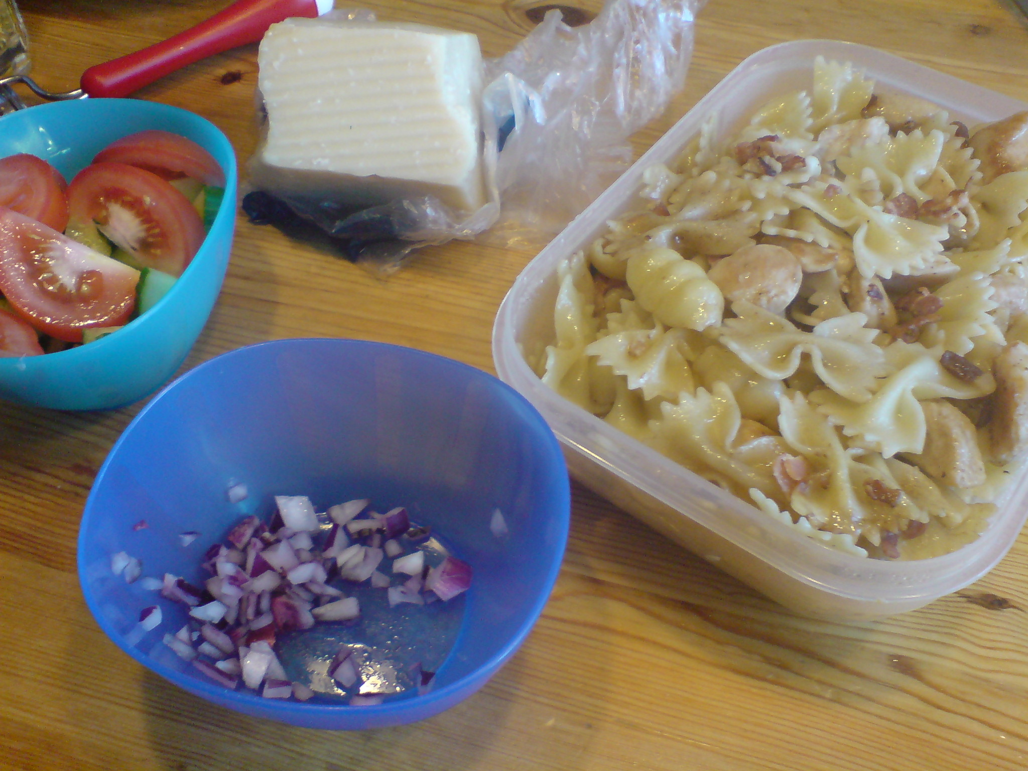 Lunch bestående av rester från lördagen