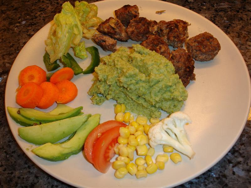 Köttbullar och broccolimos