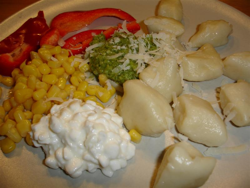 Potatisgnocchi med tillbehör