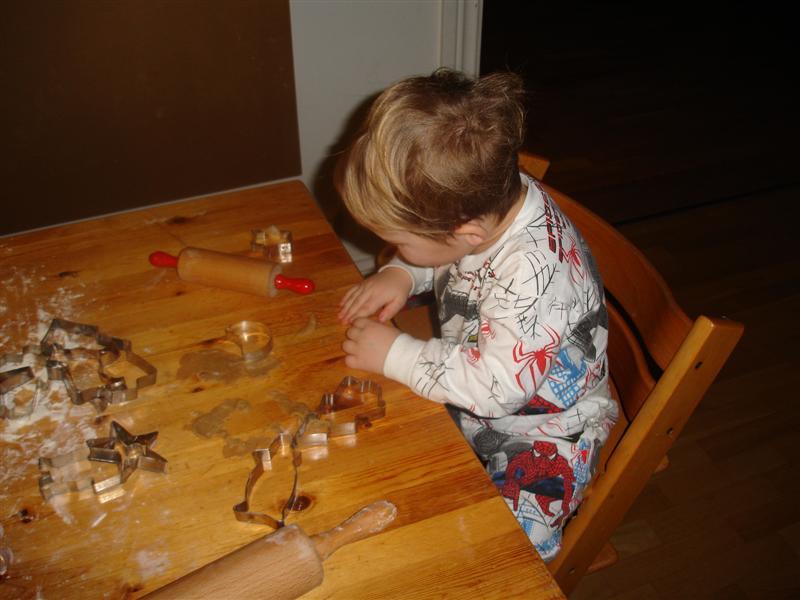 Gustaf bakar pepparkakor
