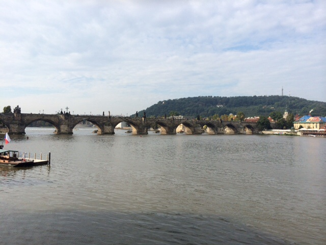 Karlsbron från sidan
