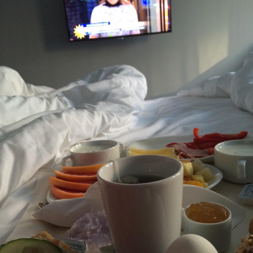 Frukost och nyhetsmorgon hinner vi sällan med i vanliga fall